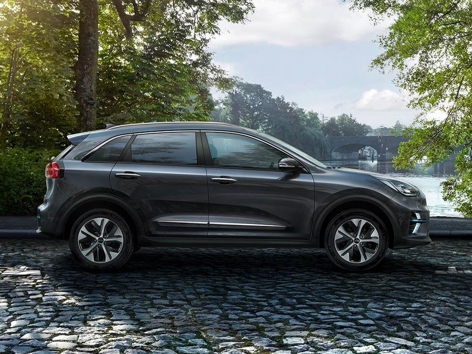 Kia e-Niro on the road