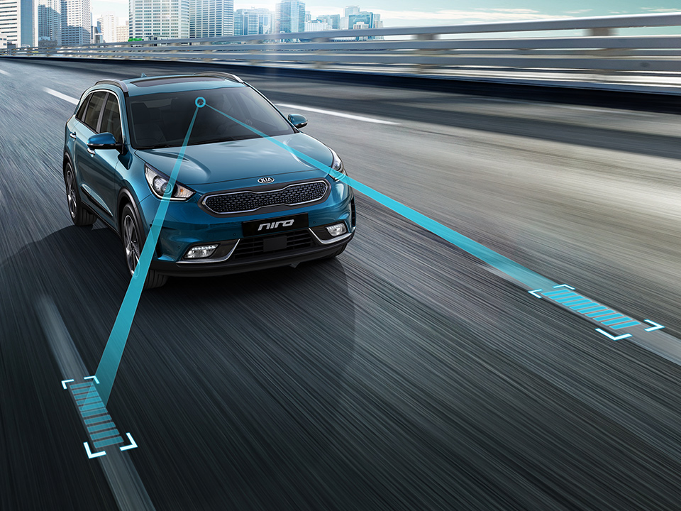 Kia Niro Plug-in Hybrid lane keep assist system
