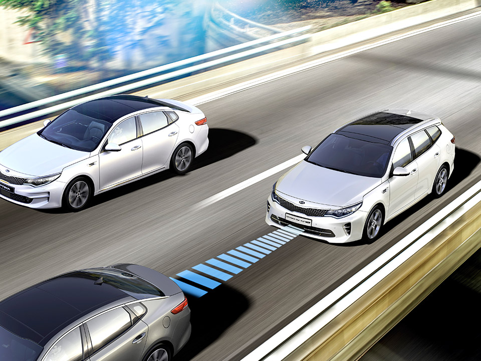 Kia Optima Sportswagon Plug-in Hybrid -smart cruise control