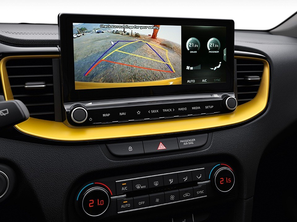 Kia XCeed with rear view monitor